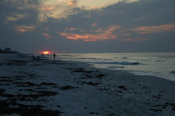 Monday Sunrise Beach and Surf Report 04/09/12