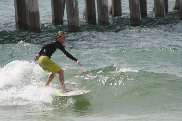 Friday Mid Day Beach and Surf Report 06/01/2012