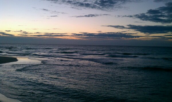 Monday Sunrise Beach and Surf Report 01/07/13