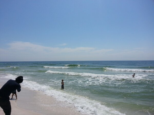 Sunday Midday Beach and Surf Report 03/31/13.