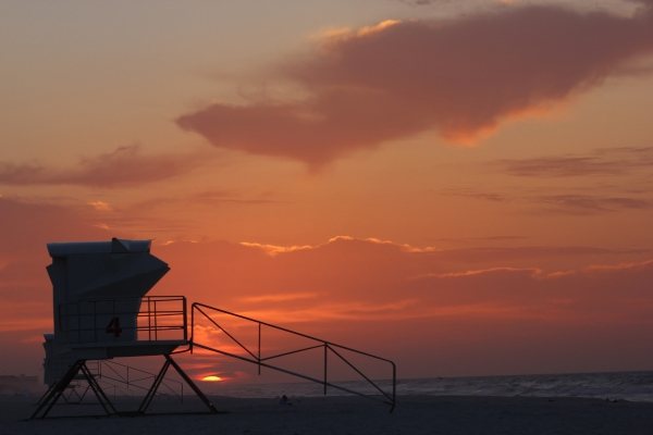Tuesday Sunrise Beach and Surf Report 04/09/13
