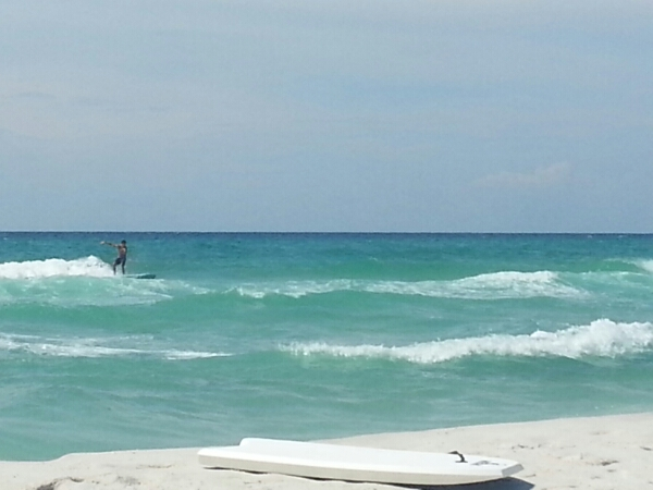 Friday Midday Beach and Surf Report 08/29/14