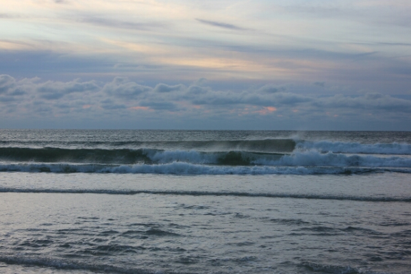 Monday Sunrise Beach and Surf Report 01/05/15